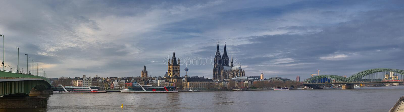 德国、科隆和莱茵河-科隆大教堂-全景 库存图片