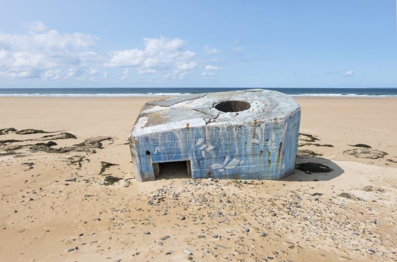 德国人第二次世界大战地堡在海滩离开在比维尔在Normady,法国附近 库存图片