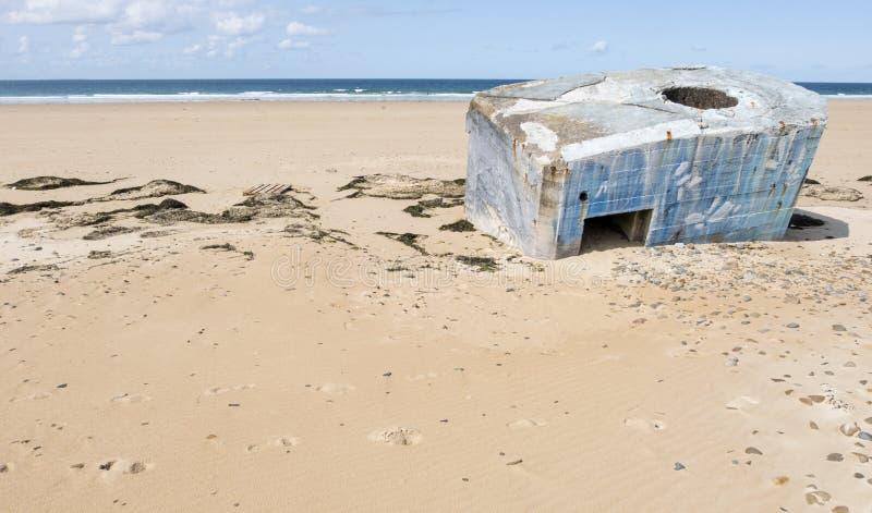 德国人第二次世界大战地堡在海滩离开在比维尔在Normady,法国附近 库存照片