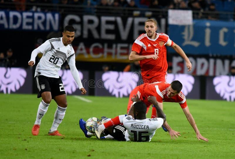 德国全国足球队球员毛哔叽Gnabry和安东尼奥 免版税库存图片