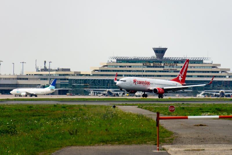 德国北莱茵 — 威斯特法伦州科隆 — 波恩,机场 — 2019年8月28日Corendon荷兰航空公司波音737-800飞机降落在机场 库存图片