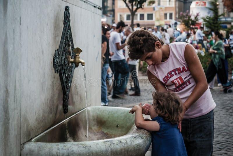 德国喷泉的孩子在老竞技场 免版税库存图片
