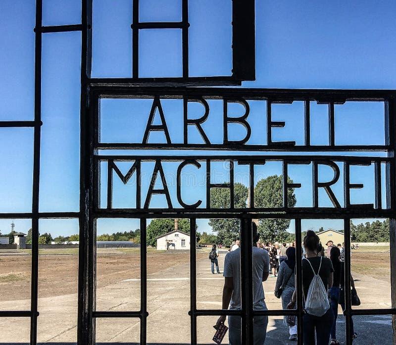 德国奥拉宁堡萨森豪森集中营的入口 库存照片
