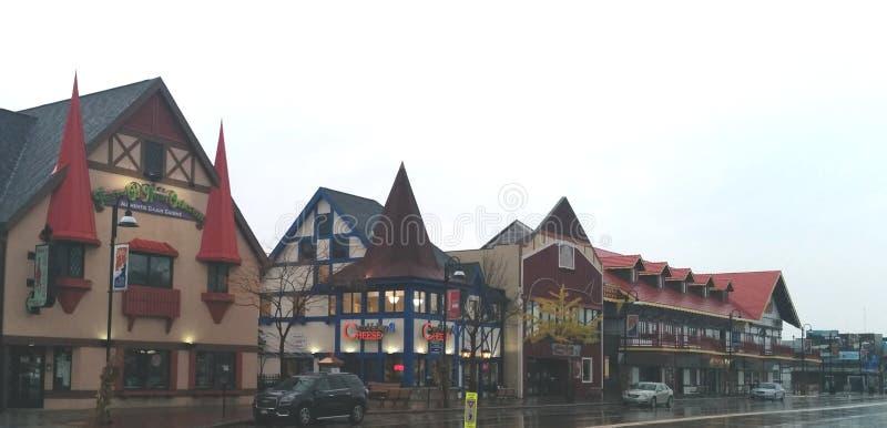 德国式大厦在街市威斯康辛小山谷 库存图片