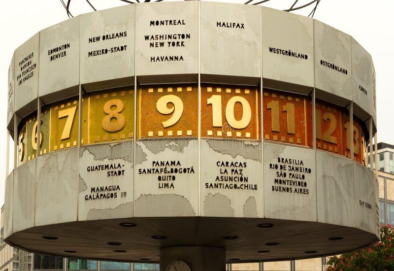德国柏林,在2016年 在世界的时钟时间在柏林, 2015年 库存图片