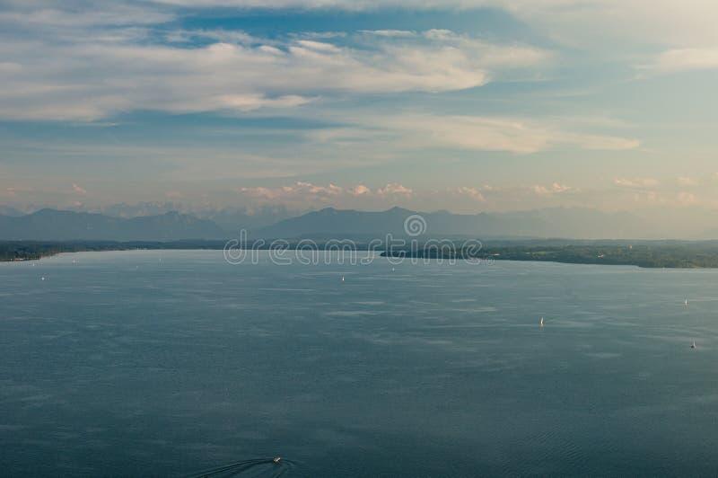 德国湖Starnberger鸟瞰图看见 免版税库存照片