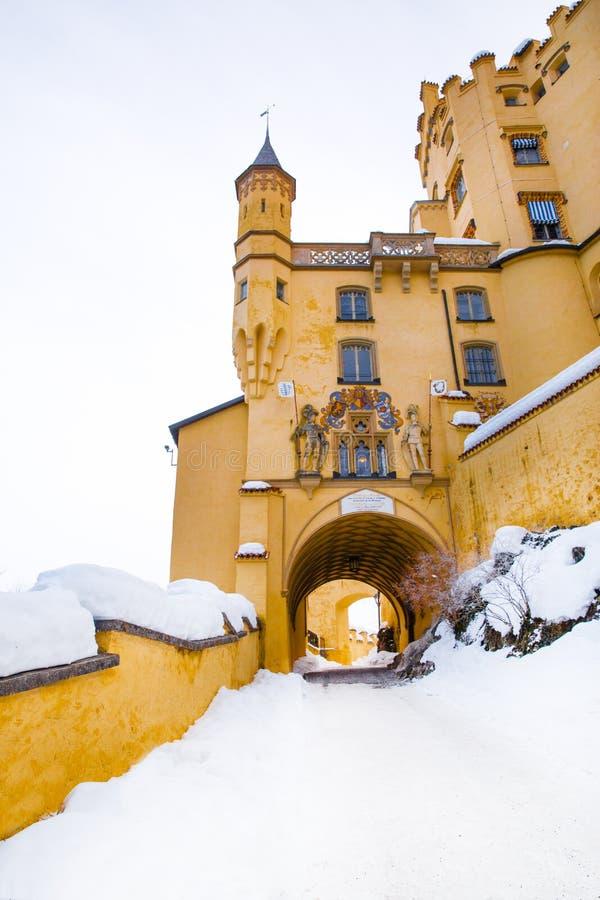 德国的Hohenschwangau城堡,巴伐利亚州Fussen 路德维希国王的美丽城堡 冬日 免版税库存图片