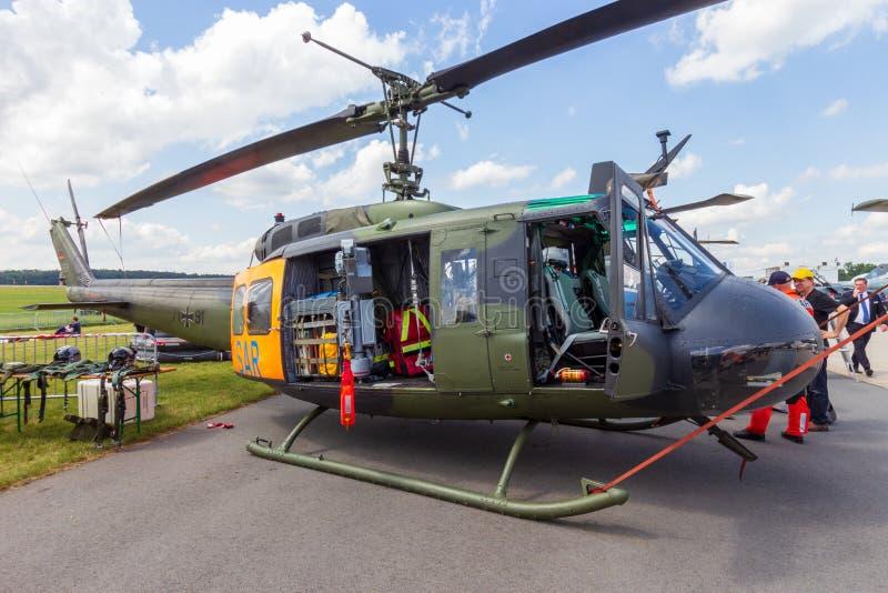 德国空军队响铃UH-1D休伊查寻和抢救直升机 免版税库存照片