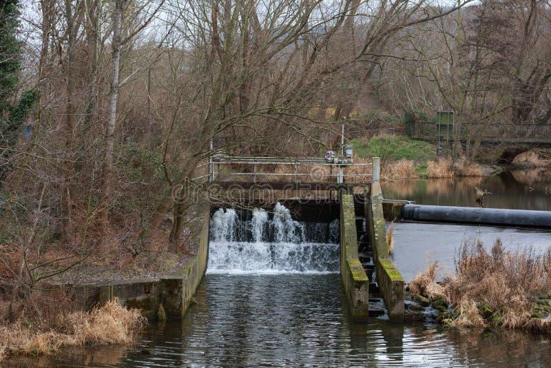 德国耶拿河畔可再生能源水电站 免版税库存图片