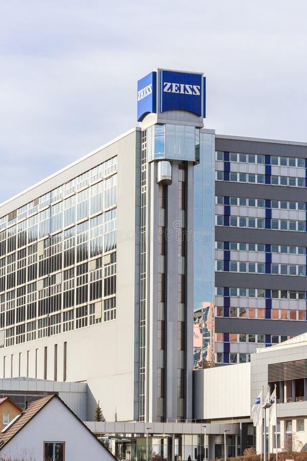 德国耶纳市 — 2020年1月12日:蔡斯总部在耶纳 卡尔·蔡斯是一家专门从事光学仪器的德国公司, 库存图片