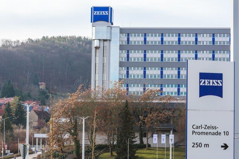 德国耶纳市 — 2020年1月12日:蔡斯总部在耶纳 卡尔·蔡斯是一家专门从事光学仪器的德国公司, 免版税库存图片