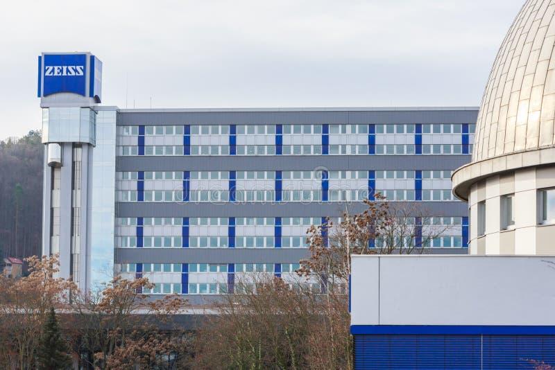德国耶纳市 — 2020年1月12日:蔡斯总部在耶纳 Carl Zeiss是一家专门从事光学仪器的德国公司 图库摄影