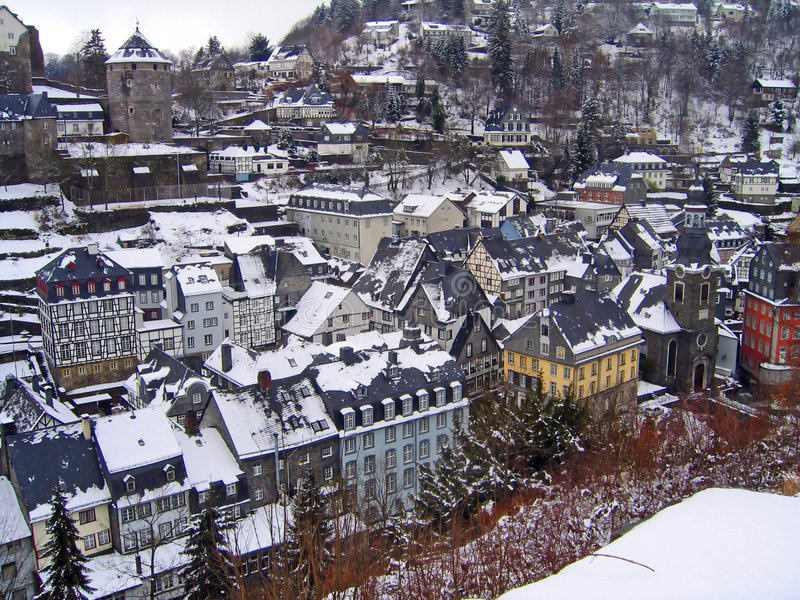 德国monschau屋顶冬天 免版税库存照片
