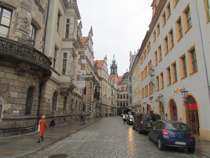 德累斯顿,德国 历史街道的秀丽保存了上百年 库存照片