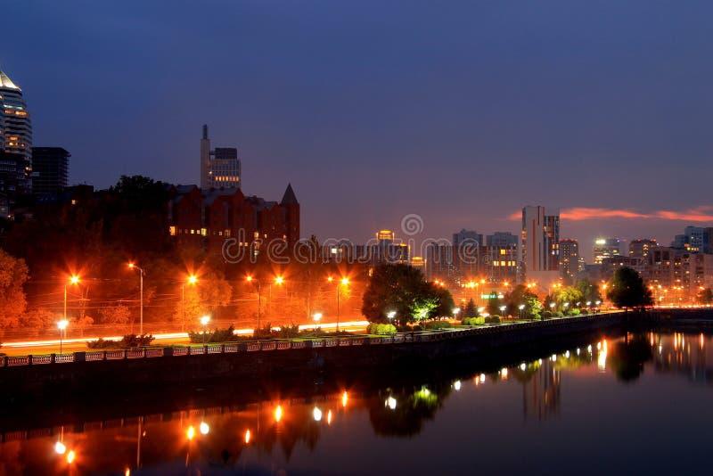 德聂伯级,乌克兰,城市的看法在晚上 库存照片