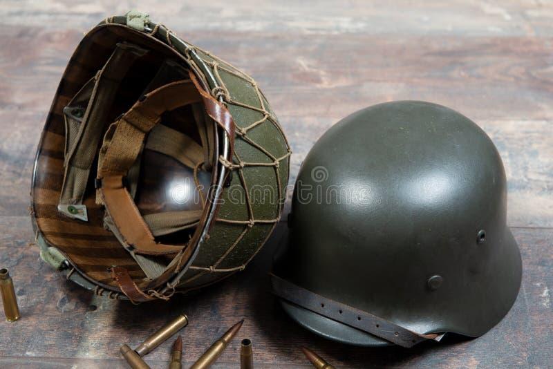 德语和U S第二次世界大战军事盔甲,诺曼底战役1944年 免版税图库摄影