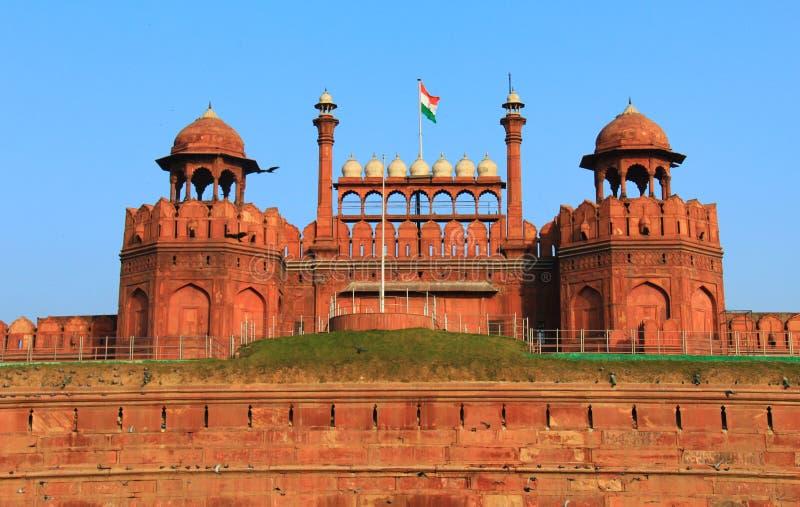德里堡垒前面新的红色视图 库存照片