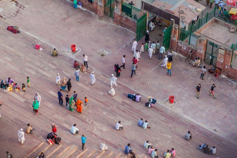 德里,印度- 2016年10月22日:步鸟瞰图对贾玛清真寺清真寺的在德里,伊恩迪的中心 图库摄影