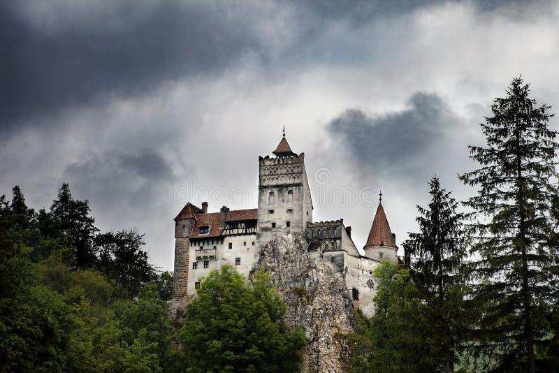 德雷库拉中世纪麸皮城堡在罗马尼亚 库存图片