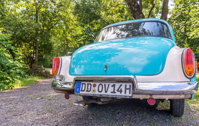 德累斯顿,德国- 2016年7月16日:一辆老汽车的汽车板材 牌照 免版税库存照片