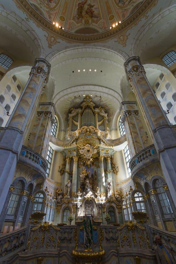 德累斯顿Frauenkirche (我们的夫人教会的法坛) 免版税库存照片