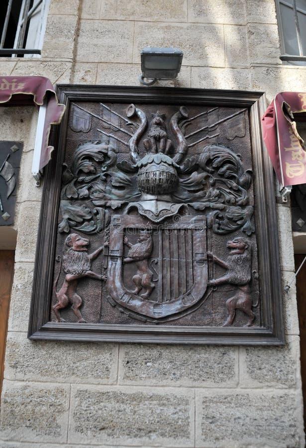 徽章在老小酒馆大厦的在卡迪士 免版税库存图片
