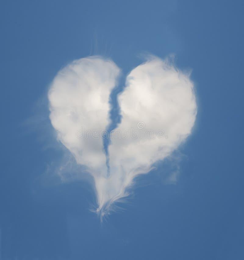 心形残破的云彩 向量例证
