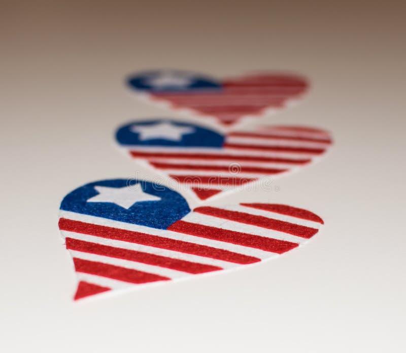 心形的美国国旗 美国国旗的爱象 在memoriam 7月第4与心形爱国美国的旗子的 E 免版税库存照片