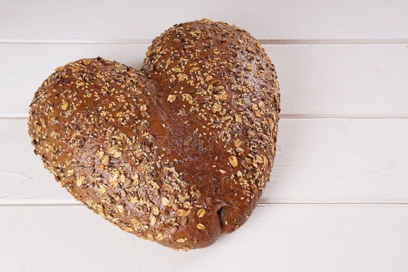 心形的面包 免版税库存图片