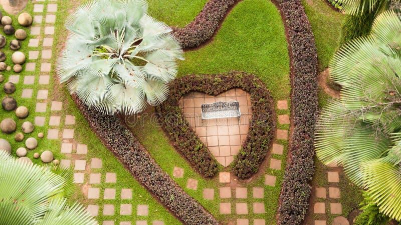心脏形状庭院 免版税库存图片