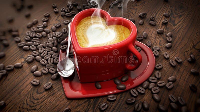 心脏有拿铁和咖啡豆的形状杯子 免版税库存图片