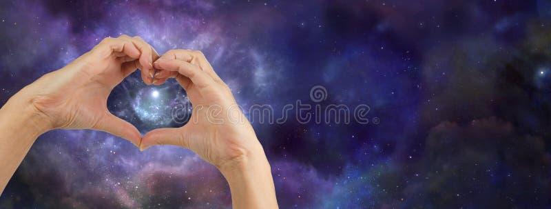 心脏递爱宇宙 免版税库存图片