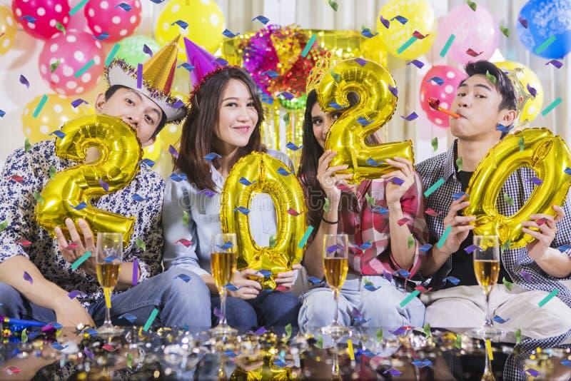 快乐的人气球塑造了第2020年 免版税图库摄影