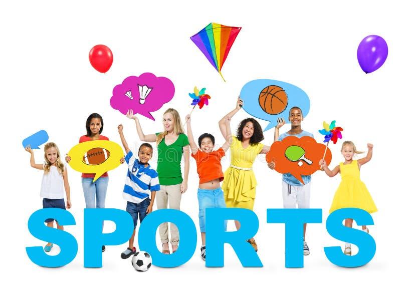 快乐的孩子和妇女一张照片的与体育的概念 免版税库存图片