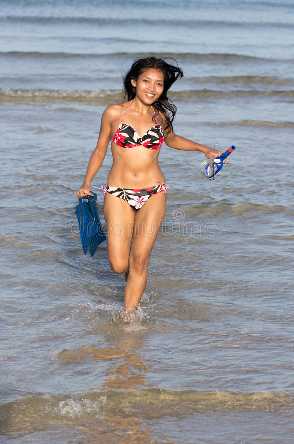 Download 快乐的潜水者 库存图片. 图片 包括有 brunhilda, 享用, 暂挂, 女演员, browne, 业余爱好 - 30333855