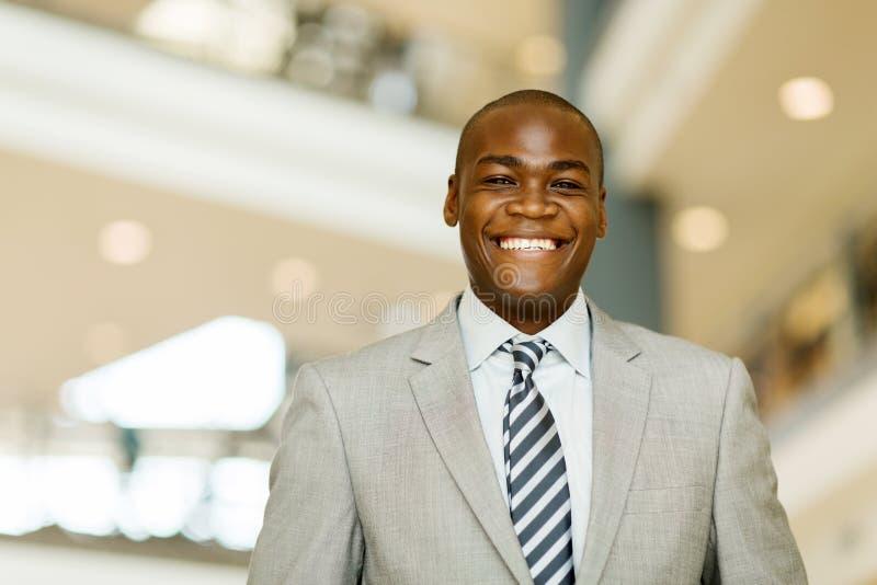 Download 快乐的非洲商人 库存图片. 图片 包括有 总公司, 执行委员, 现代, 衣领, 户内, 确信, 经理, 公司 - 59104853