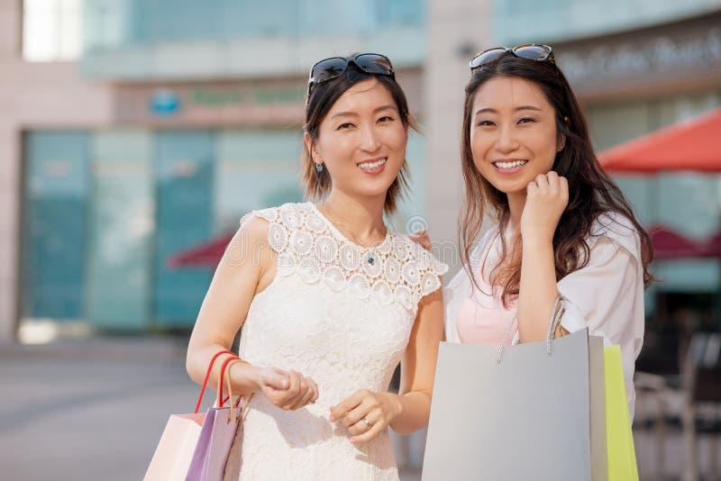 快乐的韩国顾客 库存照片