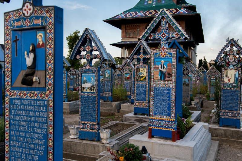 快活的公墓在Sapanta, Maramures 图库摄影