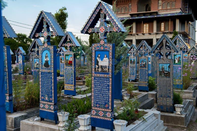 快活的公墓在Sapanta, Maramures 库存照片