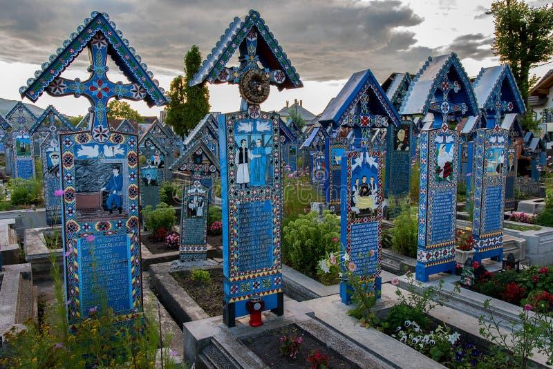 快活的公墓在Sapanta, Maramures 免版税库存图片