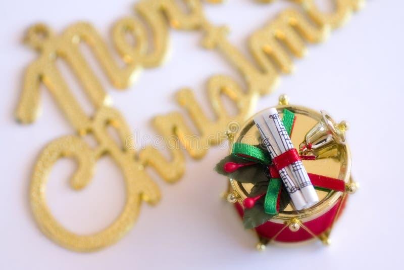 Download 快活的圣诞节 库存照片. 图片 包括有 金子, 问候, 鼓手, 模式, 五颜六色, 装饰品, 12月, 装饰 - 179258