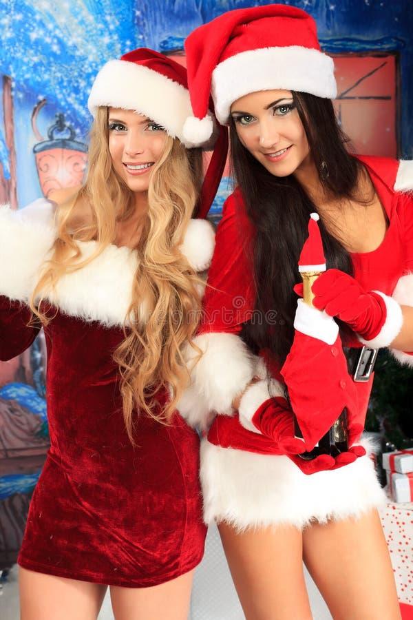 Download 快活的xmas 库存照片. 图片 包括有 庆祝, 服装, 圣诞节, 魅力, 女孩, 前夕, 装饰, 背包 - 22355774