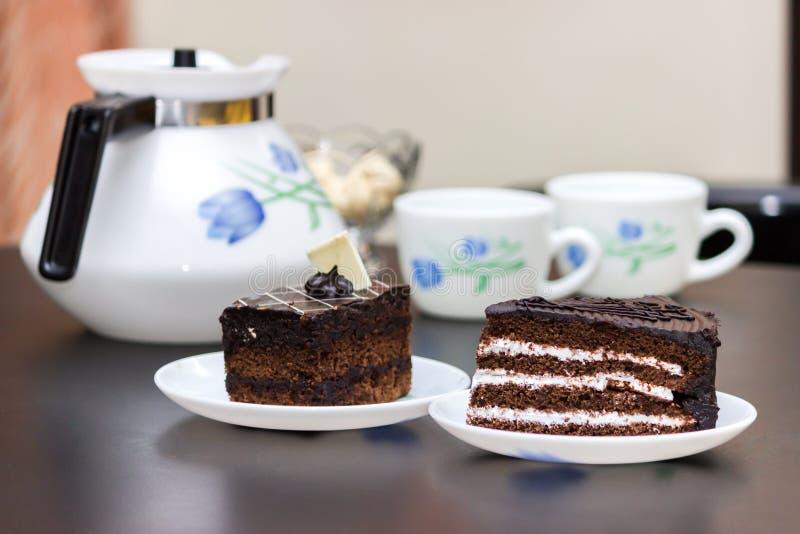快餐和茶,蛋糕,早餐 图库摄影