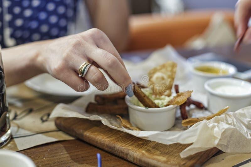 快餐,街道食物,啤酒的,酒吧,客栈,食物,开胃菜快餐,油煎 免版税库存照片