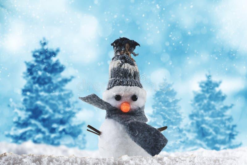 快活的xmas的雪人 免版税库存图片