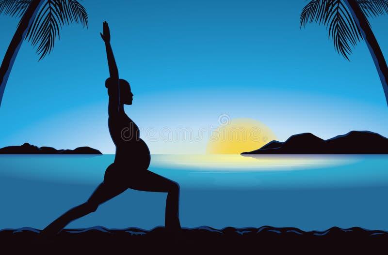 怀孕瑜伽剪影在海边的在日落时间 库存例证
