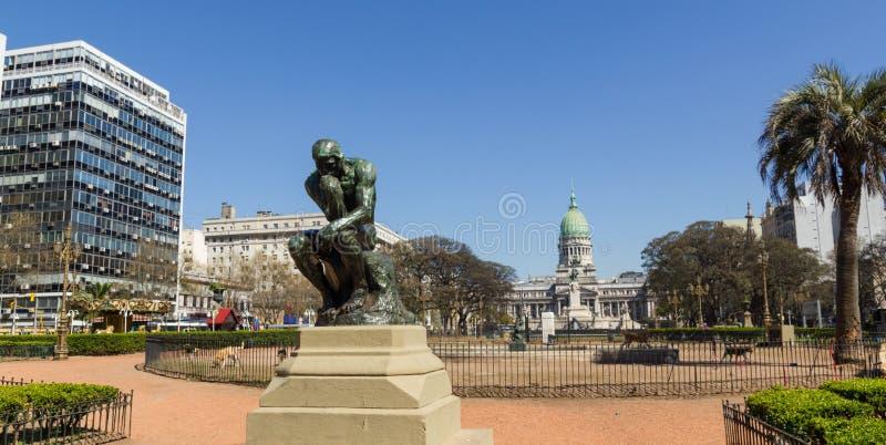 思想家国会正方形纪念碑的罗丹在布宜诺斯艾利斯 免版税库存图片