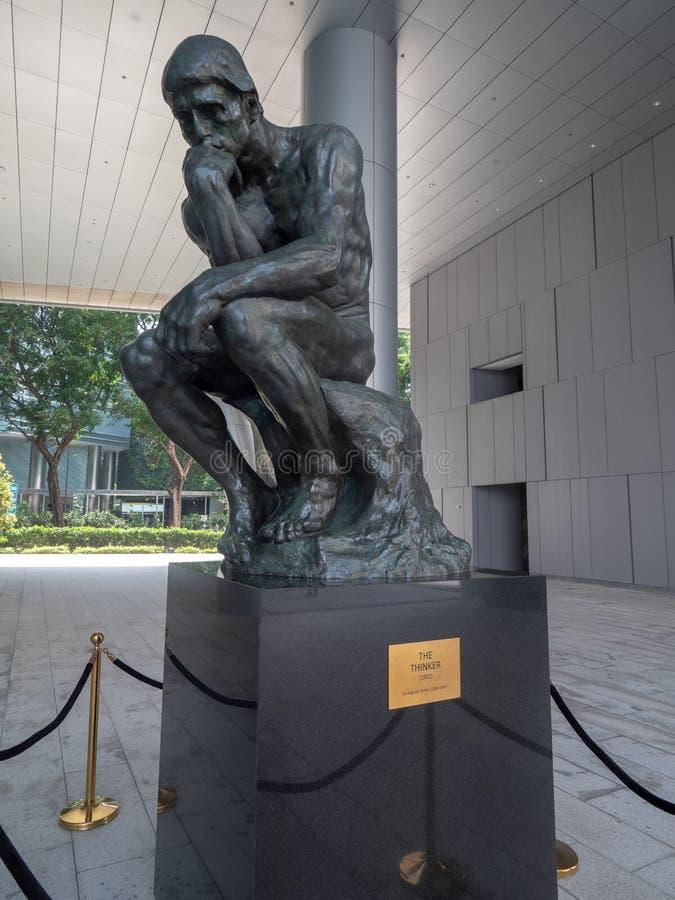 思想家雕象在新加坡 库存照片