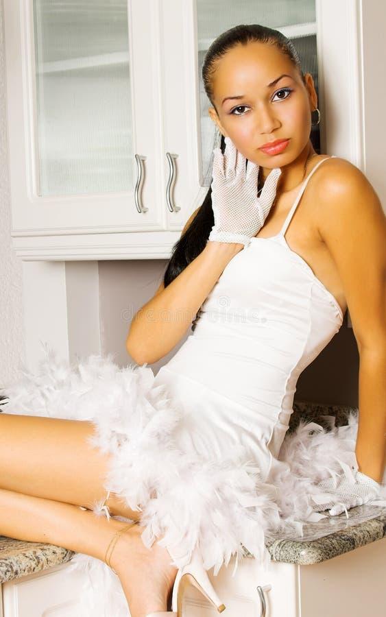 性感女孩的厨房 免版税库存照片