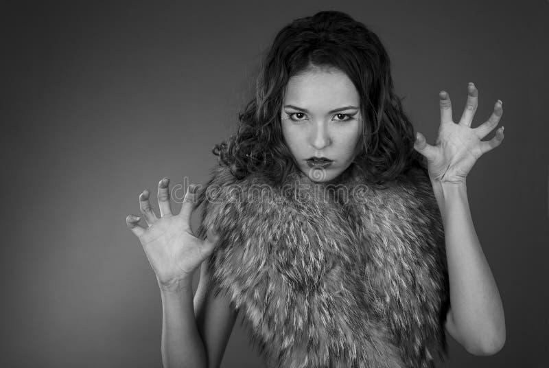 性感毛皮的女孩 图库摄影